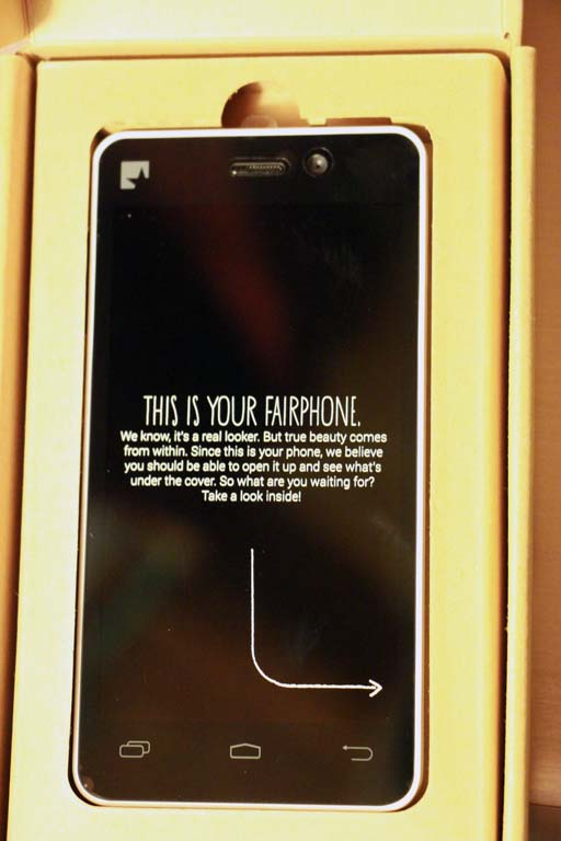 Fairphone FP1 dans son emballage